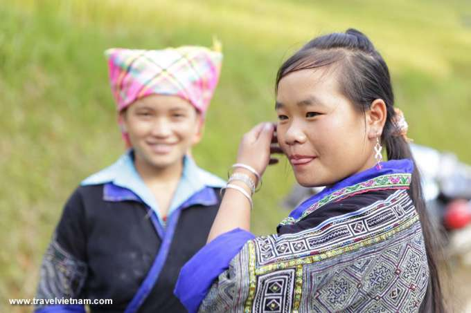 H'Mong girls in Mu Cang Chai