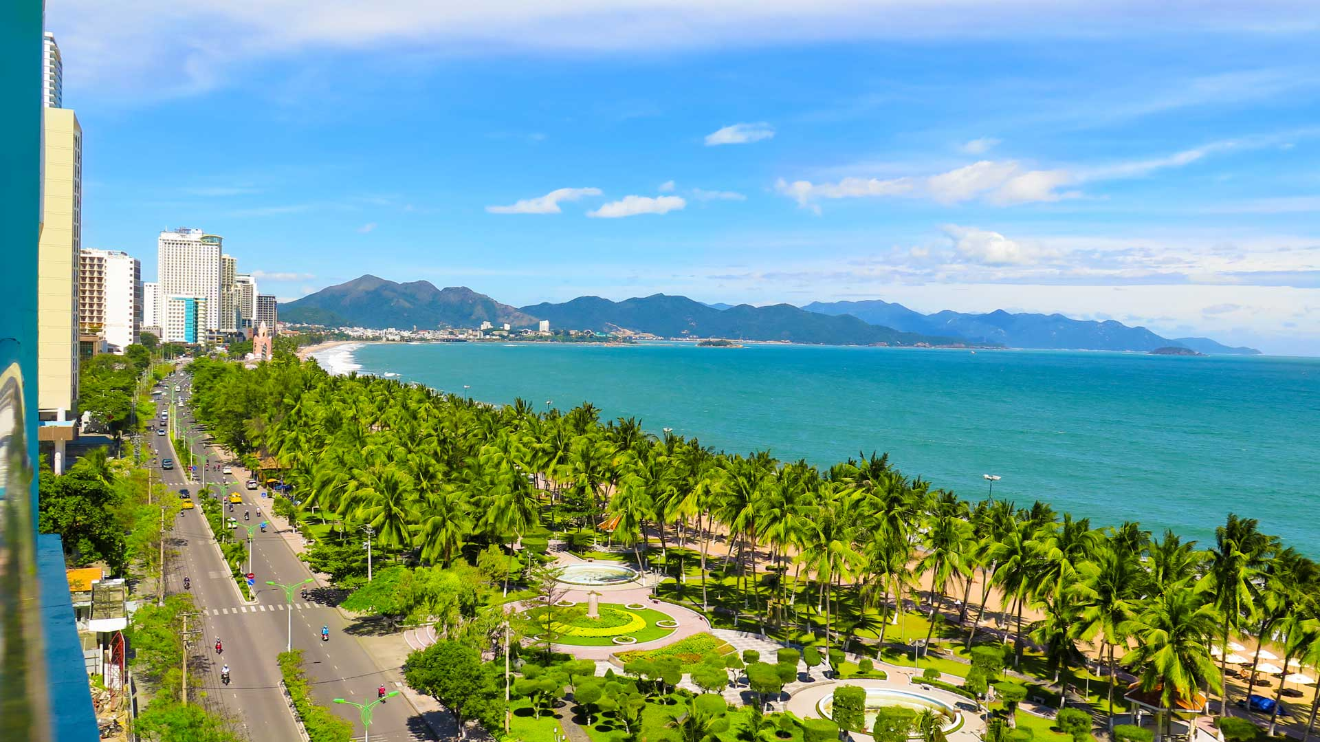 Nhatrang Beach Tran Phu Street View in Summer d78c8