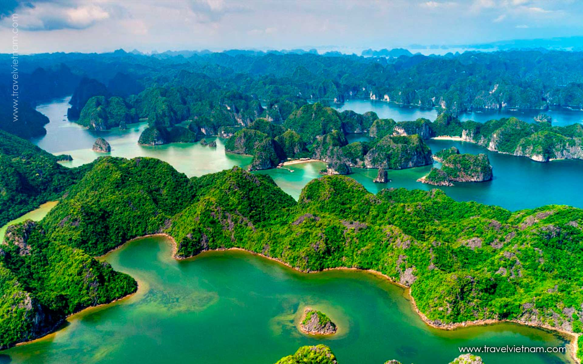 get best photos in halong seaplane1