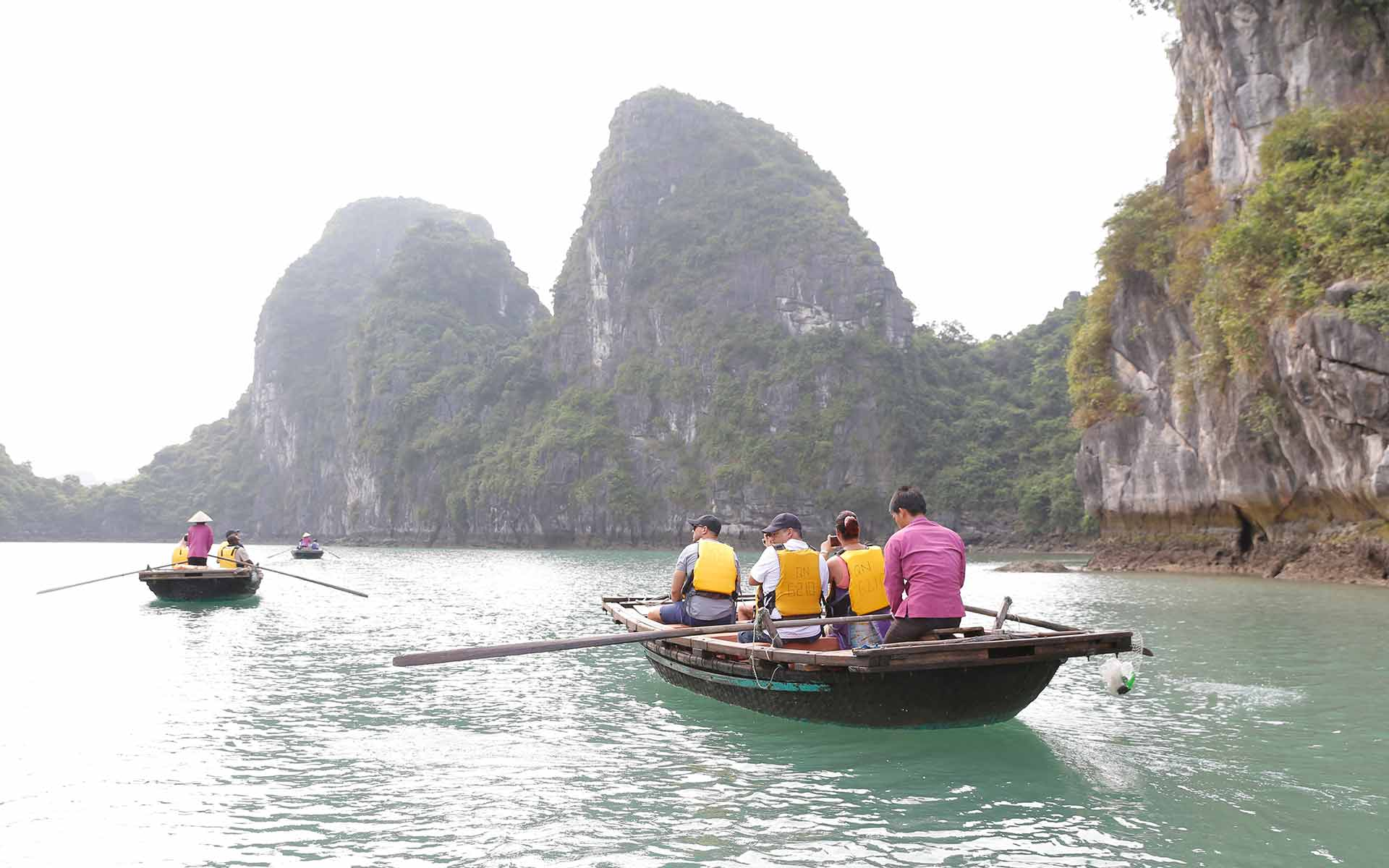 Bai Tu Long Bay: Top Attractions, Things to do & see
