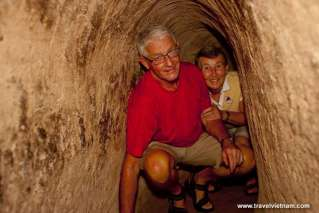 A Crawl inside Cu Chi Tunnel