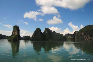 Admire the amazing rock formations of Halong bay