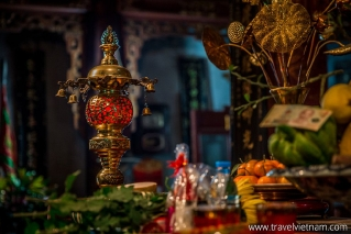 Interior embellishments of Quan Thanh Temple