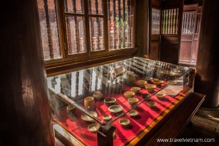 Antiques are displayed in the Temple of Literature