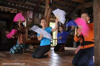 Xoe dance of Thai people