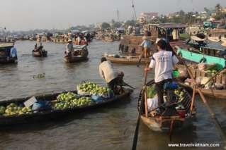 Mekong Floating Market 5