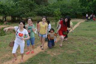 Our travel consultants in Moc Chau trip