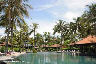 Resort beside Mui Ne beach