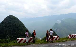 Foreign tourists traveling to Northern Vietnam