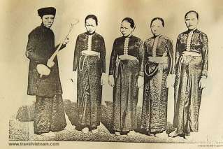Traditional costume of Black Thai people in the past