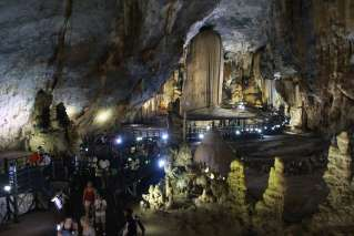 Tourists visting Paradise Cave