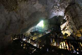 Bridge system for tourists to visit Paradise Cave