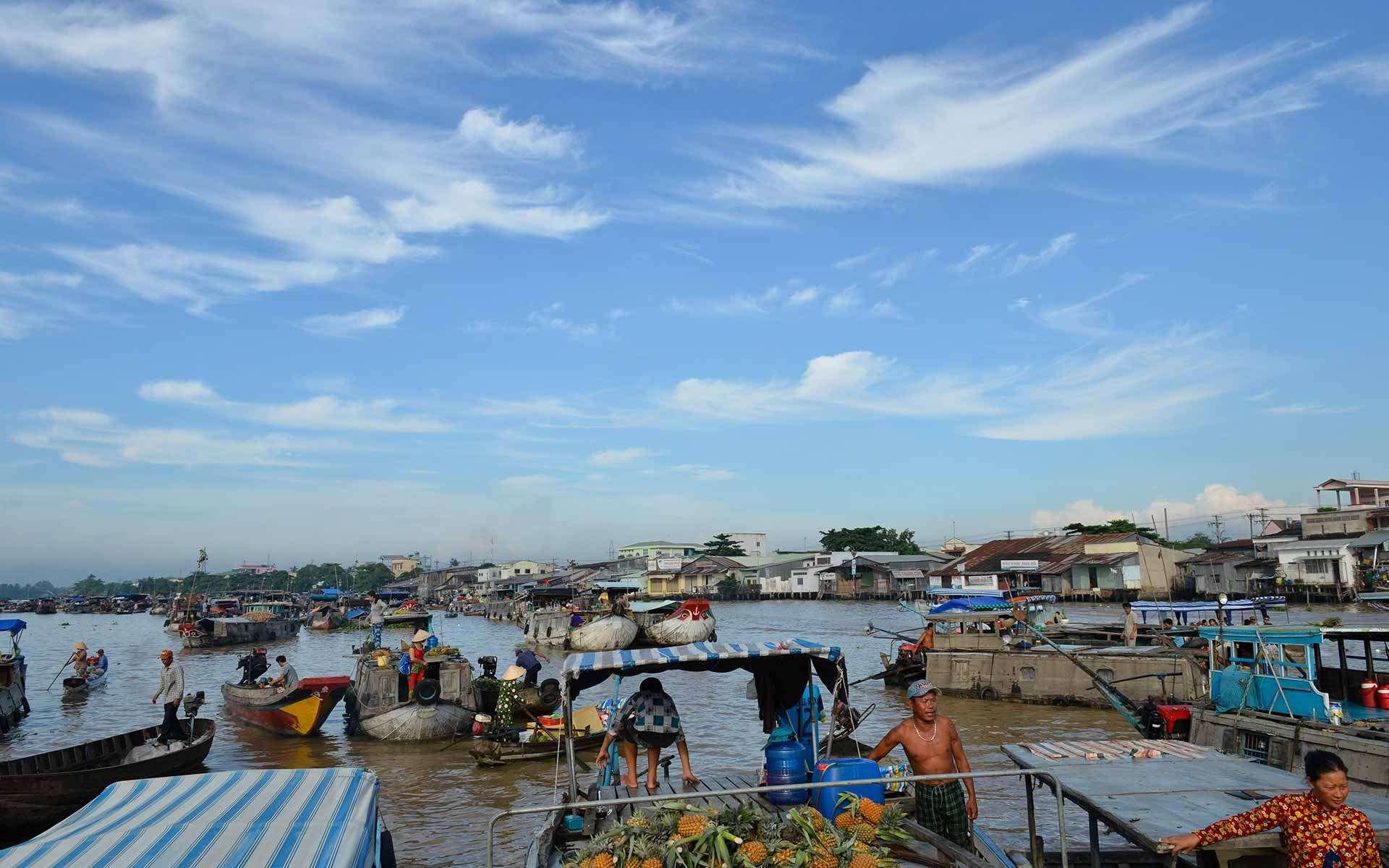 Visiting floating market