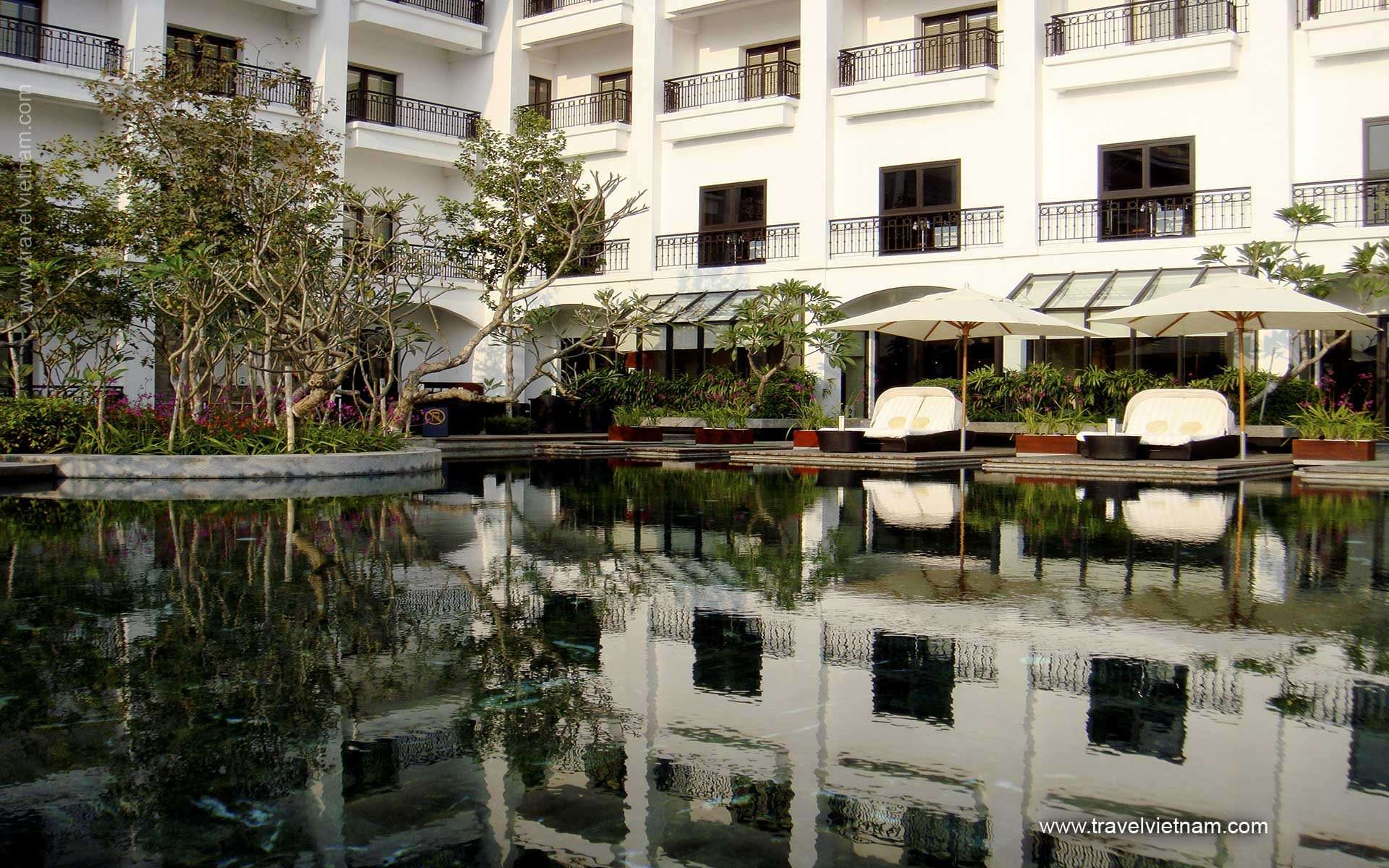 Intercontinental West Lake Hotel