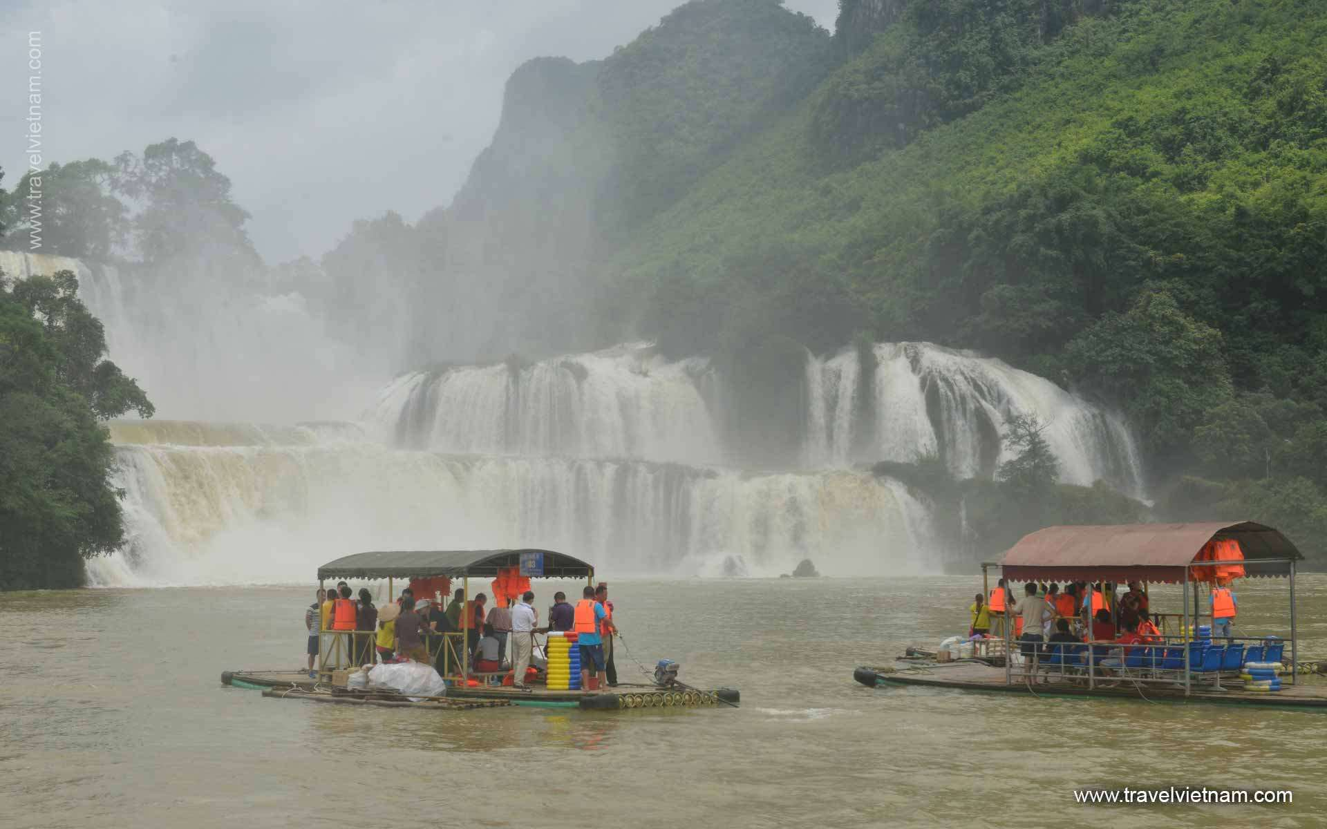 Visit Waterfalls in Cao Bang