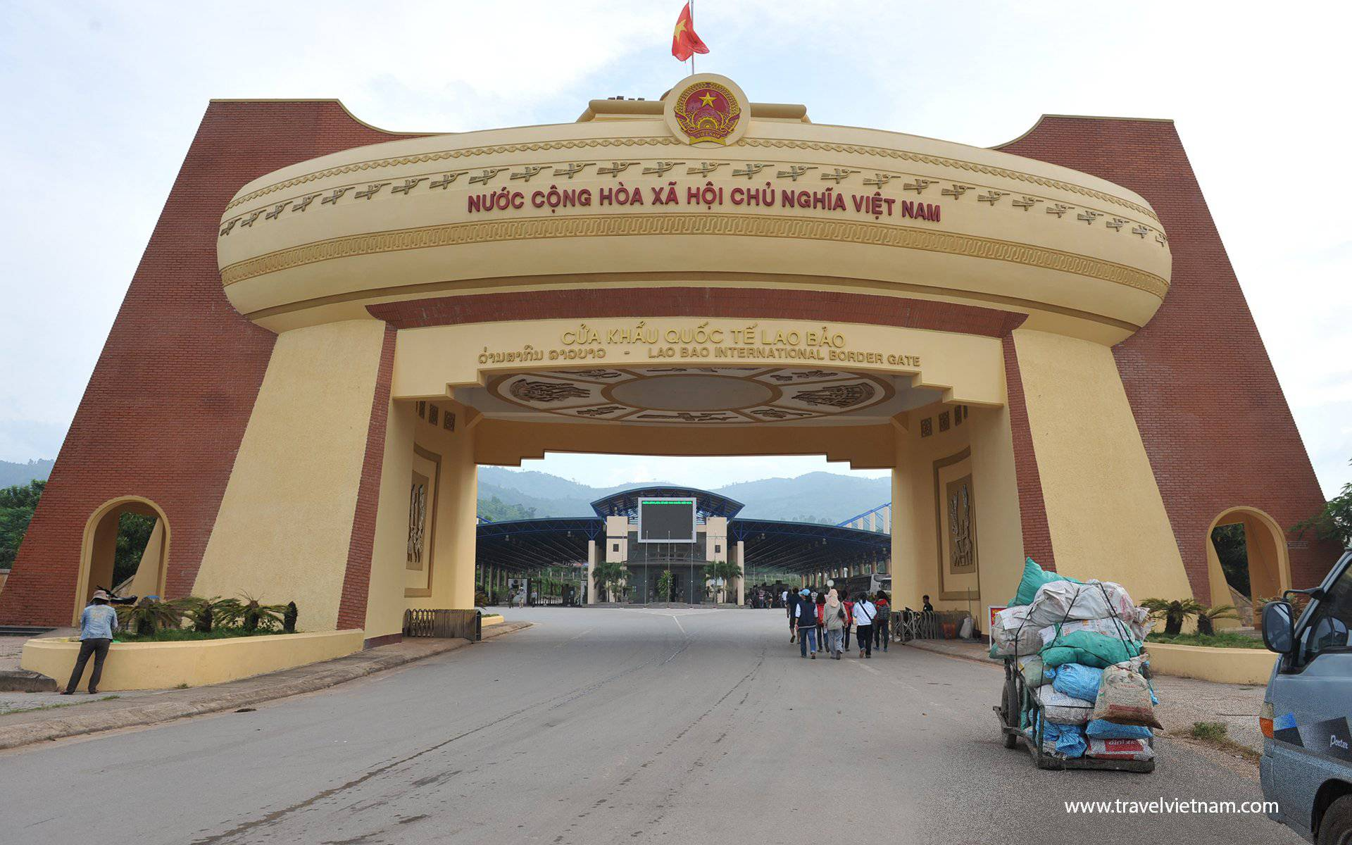 Immigration at Lao Bao border gate to Laos