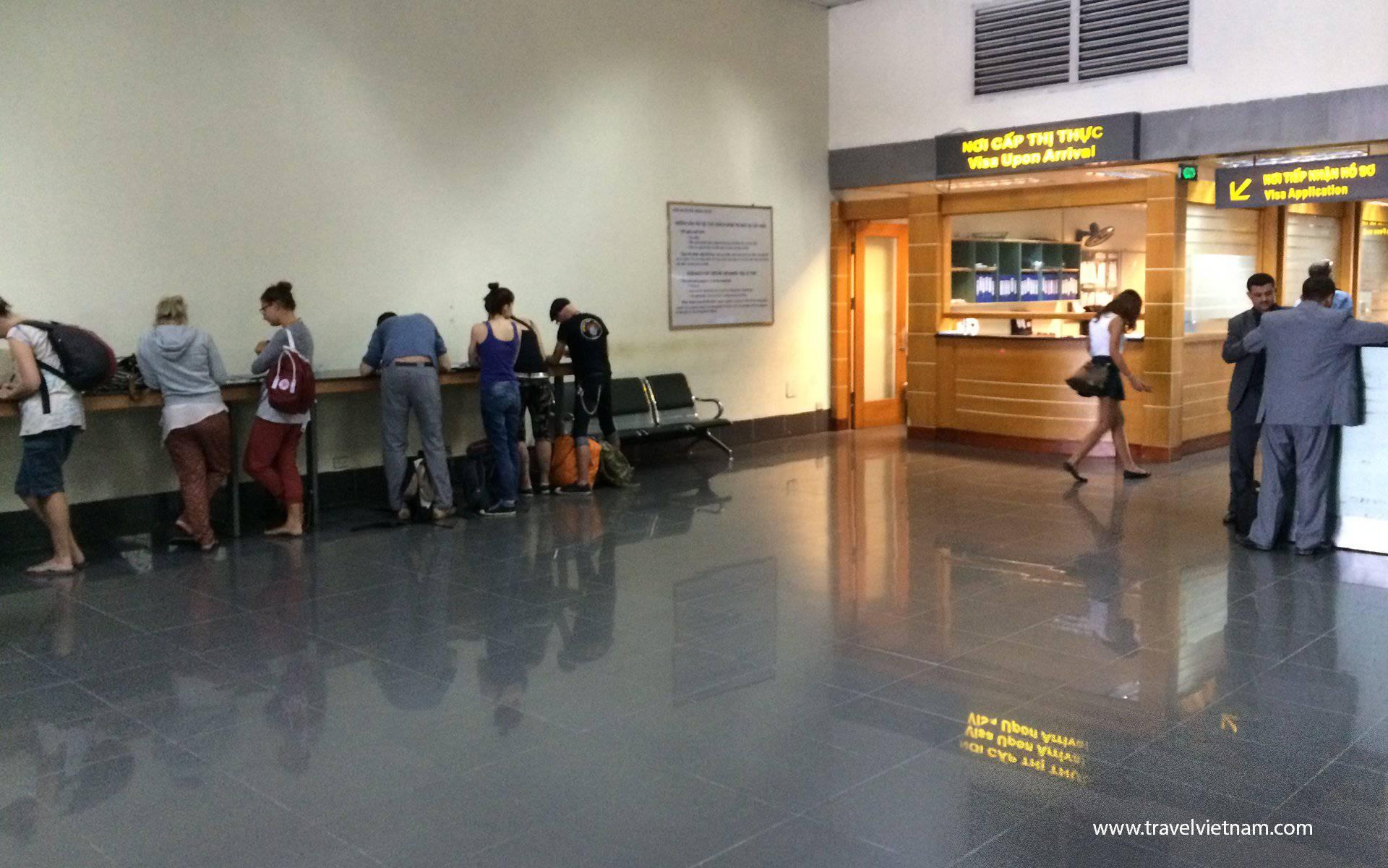 Fill Visa Form at Noi Bai airport