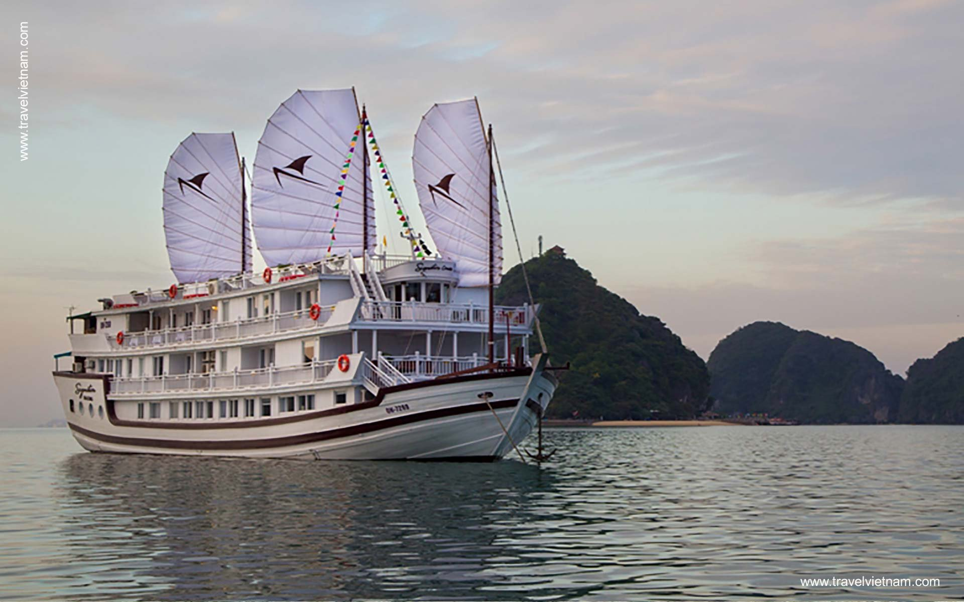 Top 7 best Halong Overnight Cruises